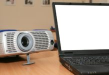 projector to laptop