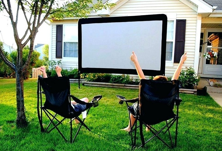Set Up Your Own Outdoor Movie Theater Projectortop Com