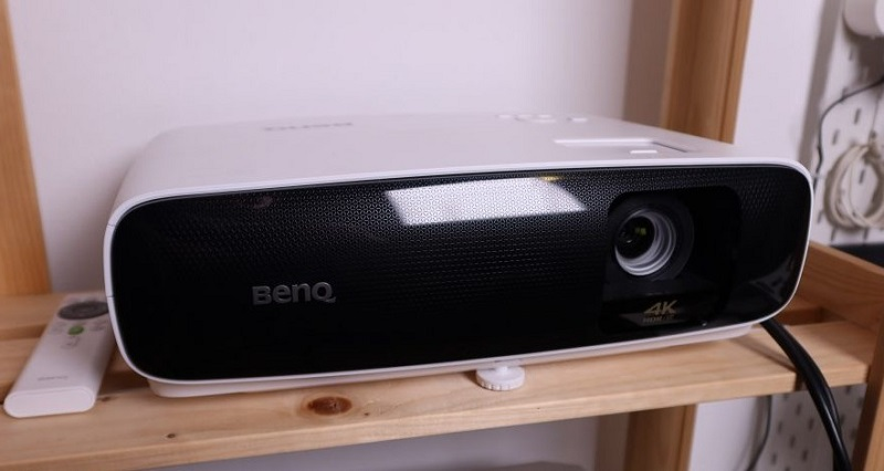 BenQ TK810 projector