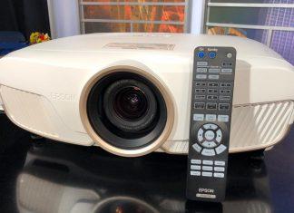 Epson 5050UB projector